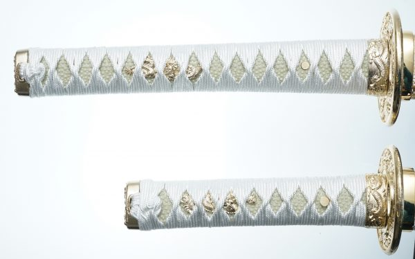 WHITE KINUN Swords Set